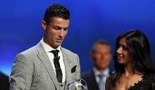 西甲》皇馬球星C羅第三次當選歐足聯年度最佳球員