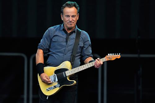 Bruce Springsteen Dedicates 'American Skin (41 Shots)' to Trayvon Martin