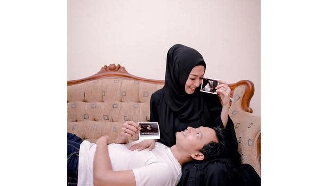 5 Artis yang Umumkan Kehamilan Jelang Ramadan, Terbaru Istri Fedi Nuril (sumber: Instagram.com/fedi_nuril)