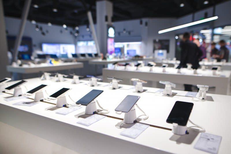 Pasar ponsel Indonesia terdampak pandemi virus corona