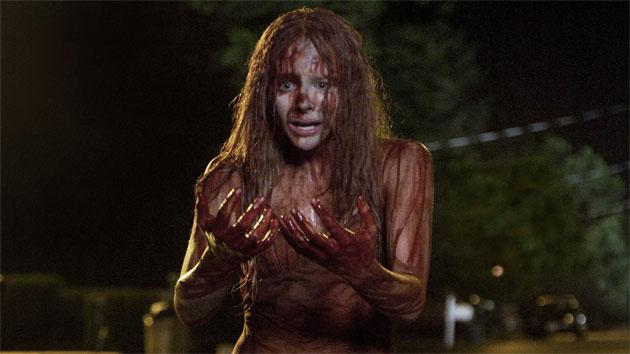 Exclusive Trailer: 'Carrie' star Chloë Grace Moretz was covered in blood for weeks