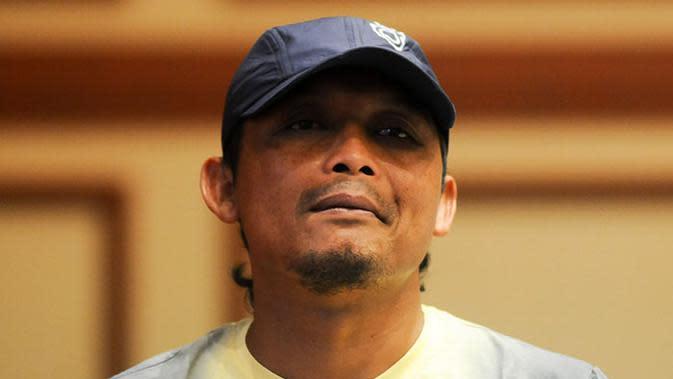 Kuncoro, sang tukang jagal Arema di era Galatama yang kini jadi asisten pelatih tim Singo Edan. (Bola.com/Iwan Setiawan)