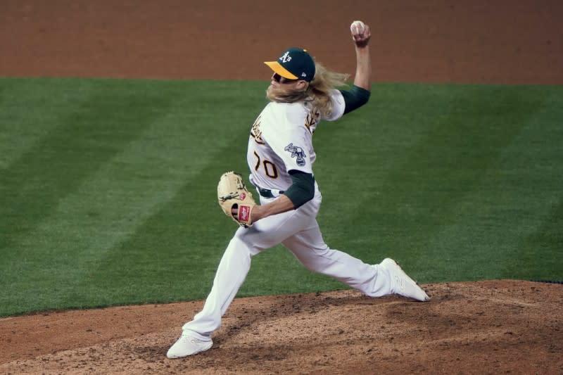 MLB roundup: Angels' Pujols passes Mays on homer list