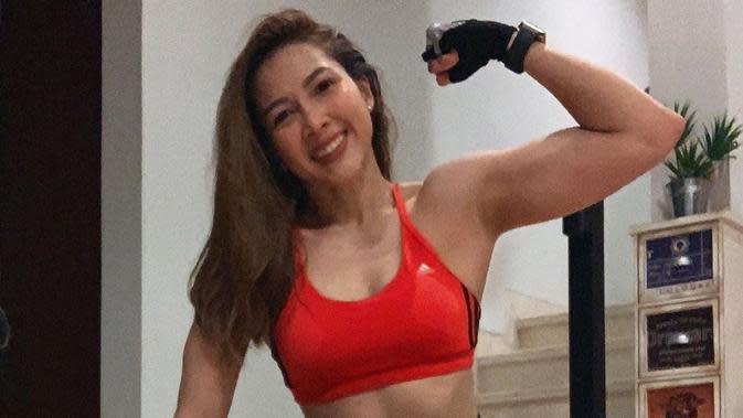 Momen Andrea Dian Selama 'Di Rumah Aja' Usai Sembuh Dari Virus Corona Covid-19. (Sumber: Instagram.com/andreadianbimo)