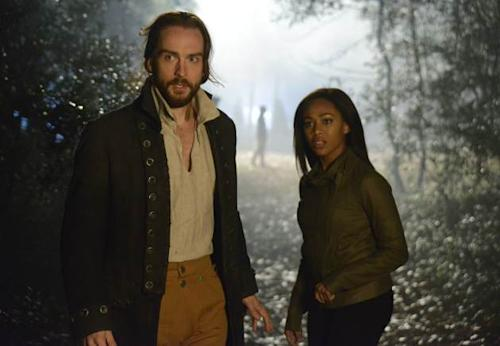 Tom Mison as Ichabod Crane and Nicole Beharie as Lt. Abbie Mills in Fox's 'Sleepy Hollow' -- FOX