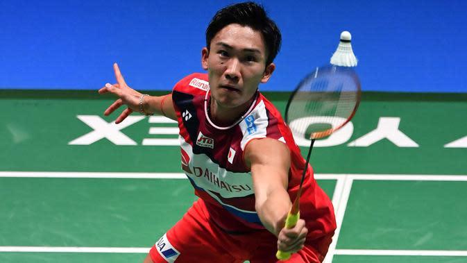 Tunggal putra Jepang, Kento Momota. (TOSHIFUMI KITAMURA/AFP)