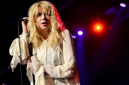 Courtney Love to Spill Secrets in Memoir Next Year