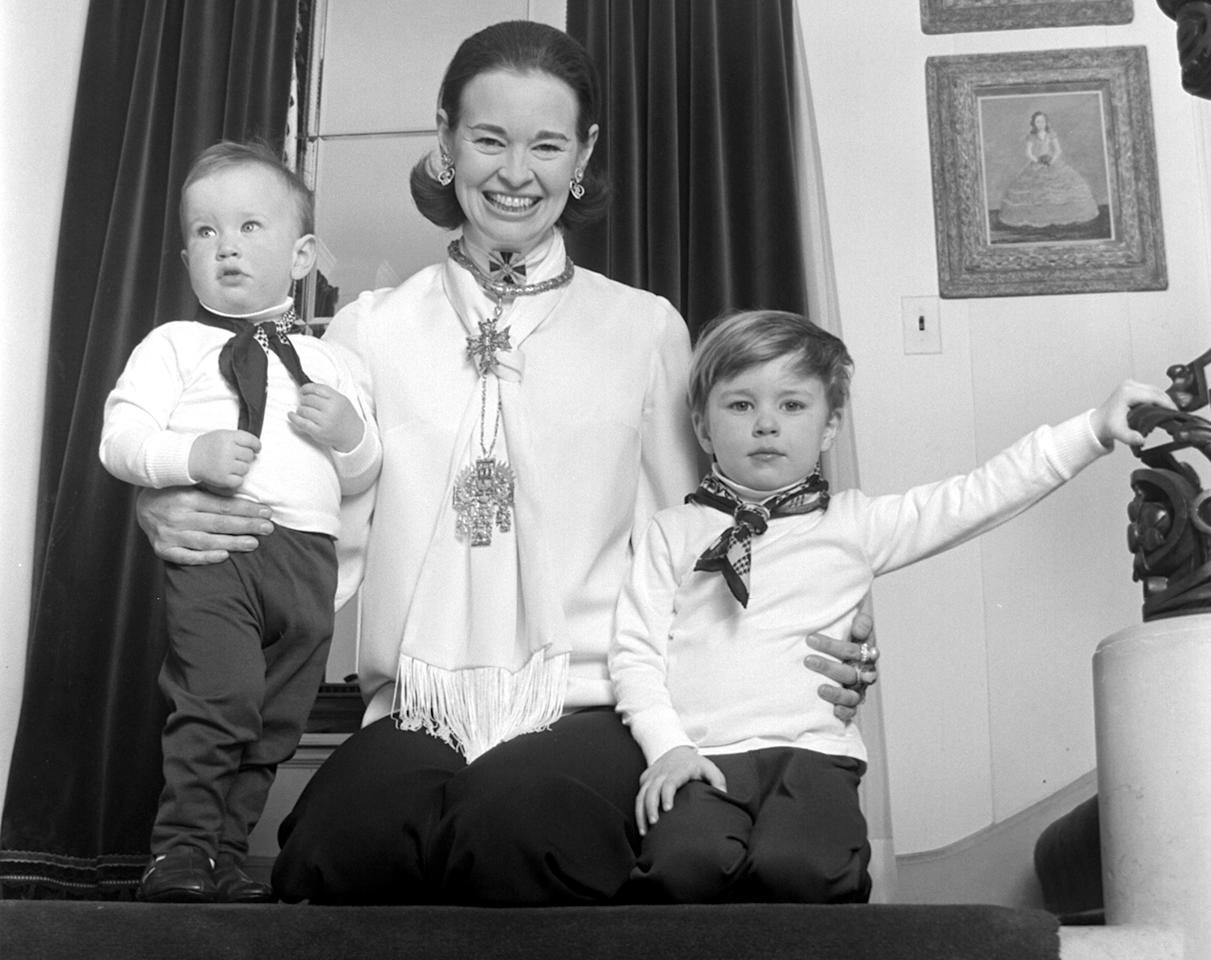 """<p>Anderson (left) poses for a portrait with his mother, the late Gloria Vanderbilt and his <a href=""""https://people.com/style/gloria-vanderbilt-on-son-carter-cooper-death/"""">late brother, Carter</a> in 1969.</p>"""