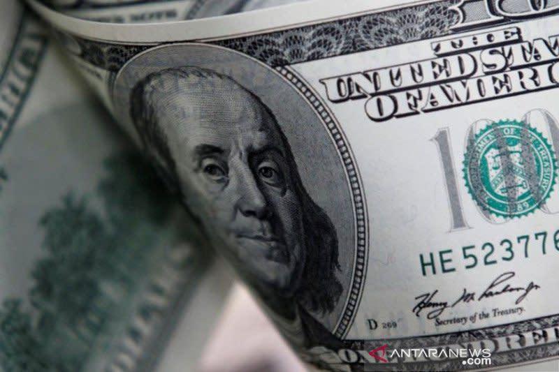 Dolar AS bangkit dari terendah empat minggu, sentimen risiko berkurang