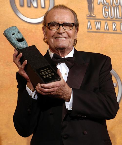 FILE - James Garner holds the 41st annual life achievement award backstage at the 11th annual Screen Actors Guild Awards in this Saturday, Feb. 5, 2005 file photo taken in Los Angeles. (AP Photo/Chris Pizzello, File)