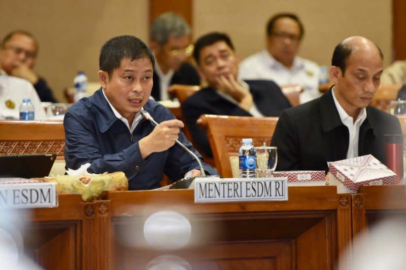 Jonan targetkan Indonesia terlistriki 100 persen pada 2020