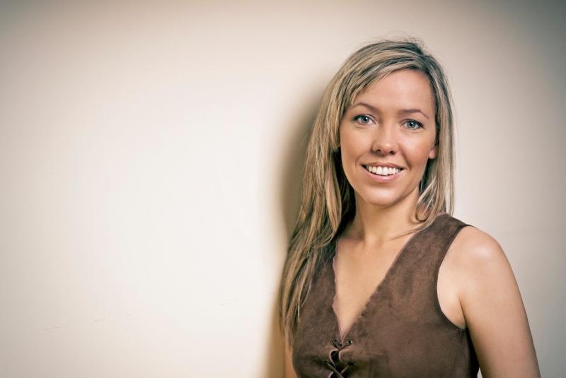 felicity urquhart - photo #5