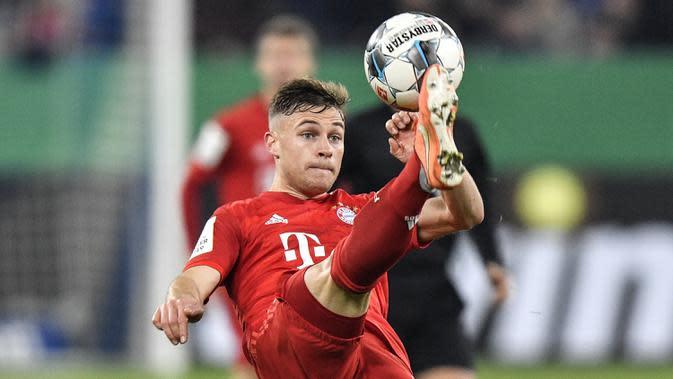 5. Joshua Kimmich - Pemain berusia 25 tahun ini disebut memiliki kemapuan seperti Philipp Lahm. Kimmich menorehkan 7 gol dan 17 assist untuk Bayern Munchen di semua kompetisi pada musim 2019/2020. (AP Photo/Martin Meissner)
