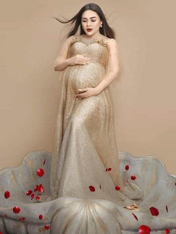 Vicky Shu dalam maternity shoot (Instagram/vickyshu)
