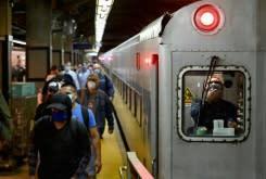 New York mulai dibuka kembali ketika WHO mengatakan virus 'memburuk' di seluruh dunia