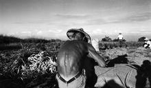 「非常日常 1987-1991」張良一、杭大鵬攝影展 回望「一個台灣兩個世界」