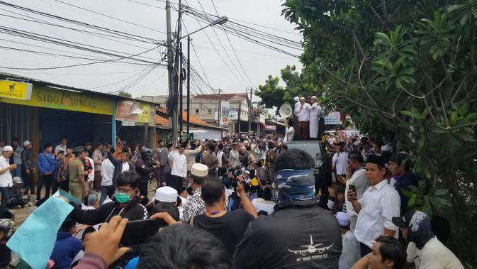 Demo Penghentian Operasi Truk Tanah, Warga Teluknaga Ancam Tutup Jalan ke Bandara