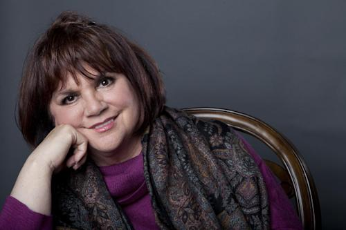 "This Sept. 17, 2013 photo shows American musician Linda Ronstadt poses in New York to promote the release of her memoir ""Simple Dreams."" (Photo by Amy Sussman/Invision/AP)"