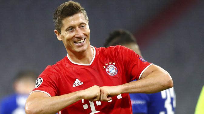 Robert Lewandowski - Bomber The Bavarians sejauh ini telah menyumbang 15 gol sekaligus menyandang top skor sementara di Liga Champions musim ini. Ketajamanya sangat diperlukan bagi Bayern untuk membungkam PSG di laga final nanti. (AP/Matthias Schrader)