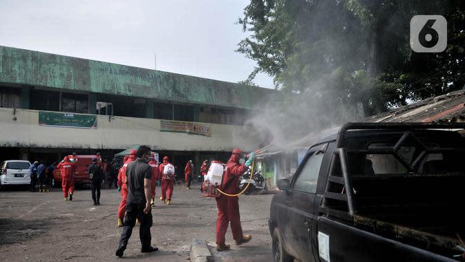 Mulai Diaktifkan, Seluruh Kantor Pengawas Pemilu di Bangka Tengah Disemprot Disinfektan