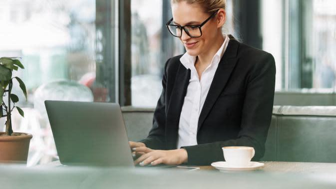 Ilustrasi fokus pada pekerjaan. Credit: pexels.com/pixabay