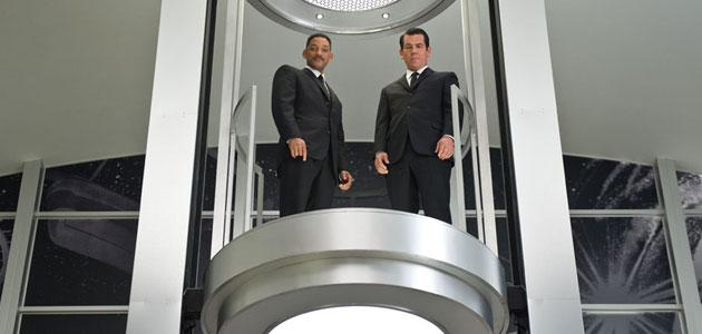 Will Smith Answers Fans' 'Men in Black 3′ Questions