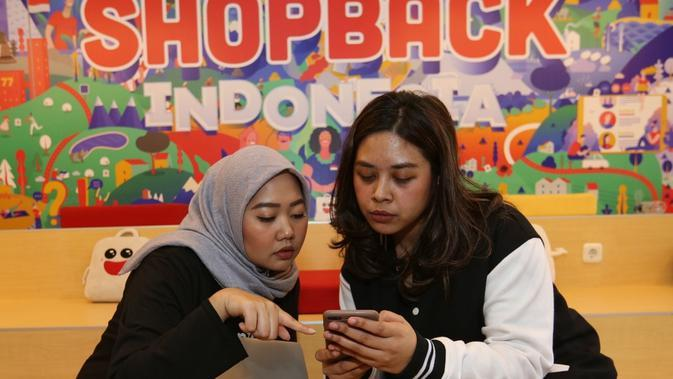 Ilustrasi belanja online. (dok. ShopBack Indonesia)