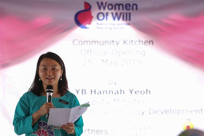 Hannah Yeoh speaks at the launch of the Women of Will's Community Kitchen in Kuala Lumpur May 25, 2019. ― Picture by Yusof Mat Isa