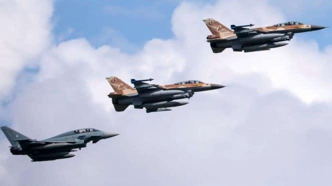 VIVA Militer: Jet Tempur Eurofighter Jerman dan Jet Tempur F-16 Israel