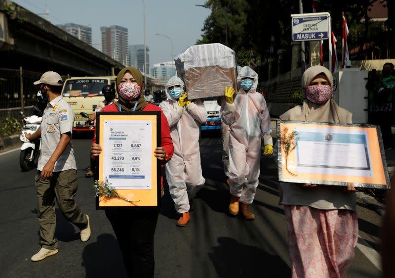 Mutated coronavirus strain found in Indonesia as cases jump