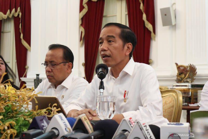 Presiden Jokowi perintahkan BUMN dirombak total