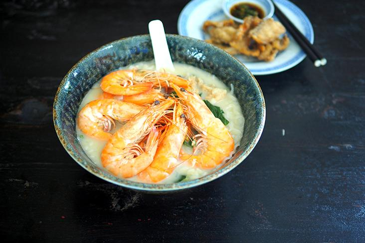 Order this special with six medium-sized prawns and fish slices for an indulgent meal — Pictures by Lee Khang Yi