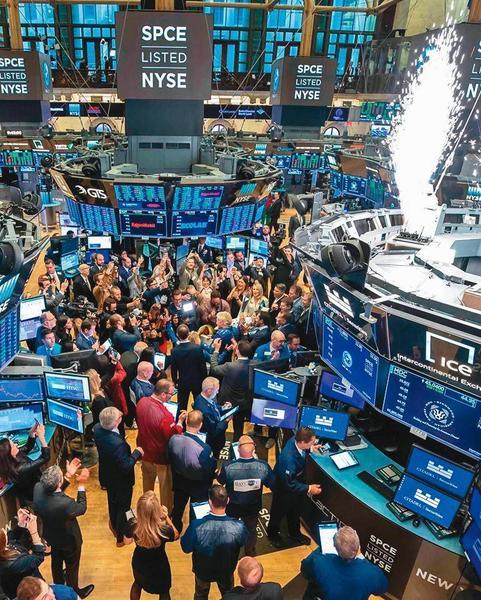 韋禮安目前投資部位有3/4放在ETF,聚焦全世界股市與債券市場。(翻攝自紐約證交所臉書)