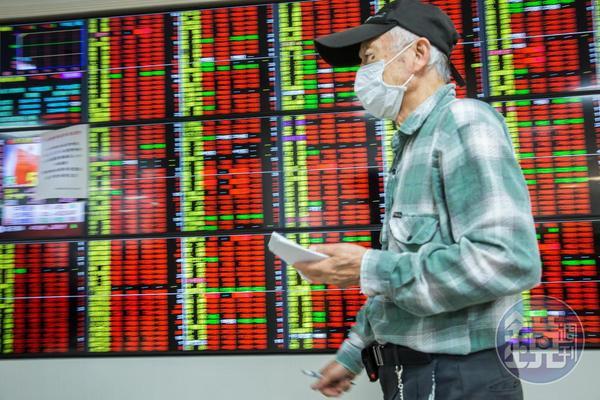 台股大漲,現在才開始存股,恐怕會因為市場波動大,壓力倍增。