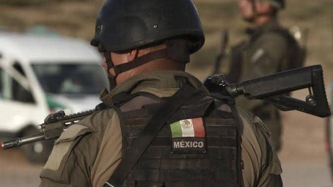 Penjagaan ketat oleh tentara Meksiko. (Source: AP/ Christian Chavez)
