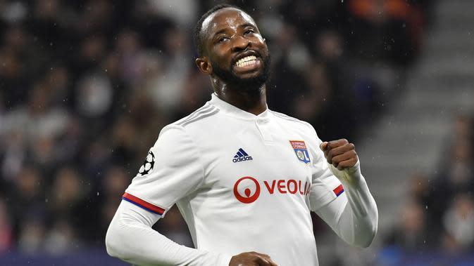 Moussa Dembele bisa menjadi solusi yang tepat untuk menambah kekuatan lini depan Manchester United. Striker berusia 23 tahun telah menyumbangkan 10 gol dari 17 penampilannya.(AFP/Philippe Desmazes)