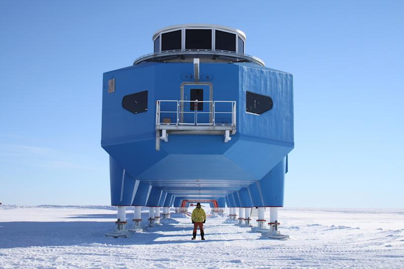New research station in Antarctica can really move