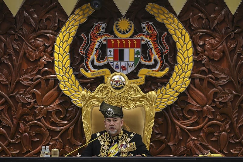Yang di-Pertuan Agong Sultan Muhammad V delivers his royal address at the opening of the first meeting of the sixth term of the 13th Parliament in Kuala Lumpur March 5, 2018. — Picture by Azneal Ishak