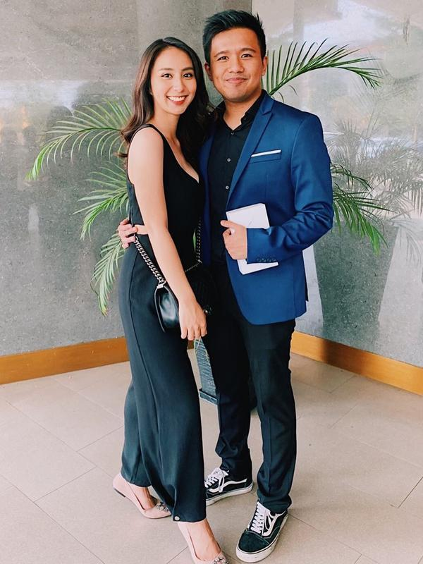 Pasangan ini juga kerap berbagi ilmu tentang dunia seni yang mereka tekuni. Bahkan, selebgram yang juga artis peran Clairine Clay kerap berdiskusi soal akting dengan kekasihnya, Joshua Suherman. (Liputan6.com/IG/@jojosuherman)