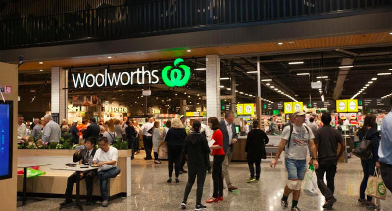Supermarket chain Woolworths will donate all profits from Saturday's fresh food sales to drought affected farmers