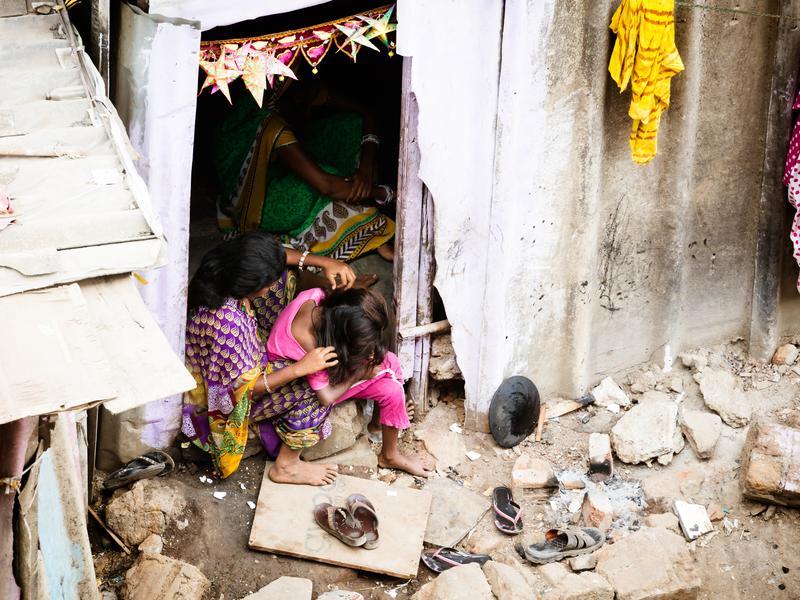 造就女性煉獄 原因四:貧窮