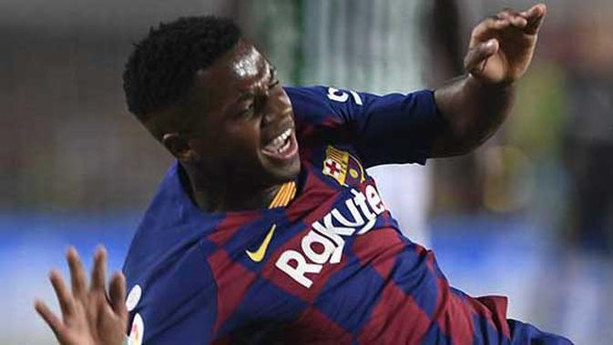 4. Pencetak Brace Termuda di La Liga - Bocah ajaib ini tercatat sebagai pemain termuda yang mencetak brace alias dua gol di La Liga. Dua gol itu dicetak Ansu Fati ke gawang Levante saat usianya baru menginjak 17 tahun 94 hari. (AFP/Josep Lago)