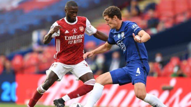 Momen Winger Arsenal 'Ngolongin' Pemain Chelsea