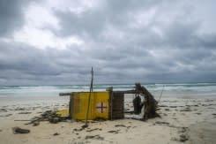 Badai Delta menyerang Meksiko, menuju ke AS