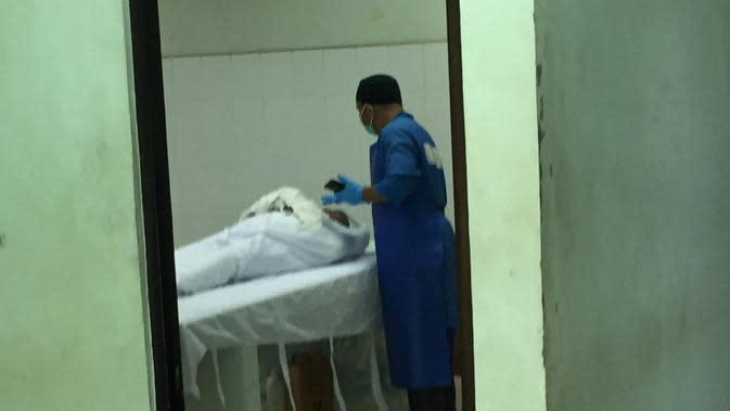 Jenazah WNA Singapura yang meninggal dunia diduga terinfeksi Virus Corona Covid-19 hingga kini masih tertahan di Rumah Sakit Badan Pengusaha (RSBP) Kota Batam. (Liputan6.com/ Ajang Nurdin)