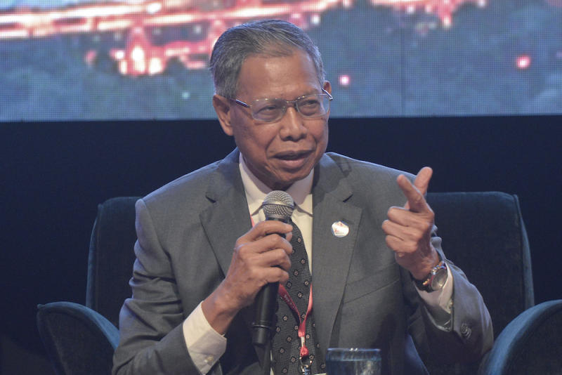 Sources say Datuk Seri Mustapa Mohamed (pic) is thought to be 'the right person' to implement changes in the portfolio as Tun Dr Mahathir Mohamad's Cabinet face brickbats from voters over various reasons. — Picture by Shafwan Zaidon