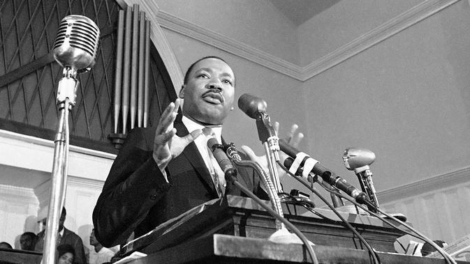 Martin Luther King saat berbicara di Atlanta pada 1960. Martin Luther King merupakan tokoh pejuang persamaan ras di Amerika Serikat (AS). (AP Photo/File)