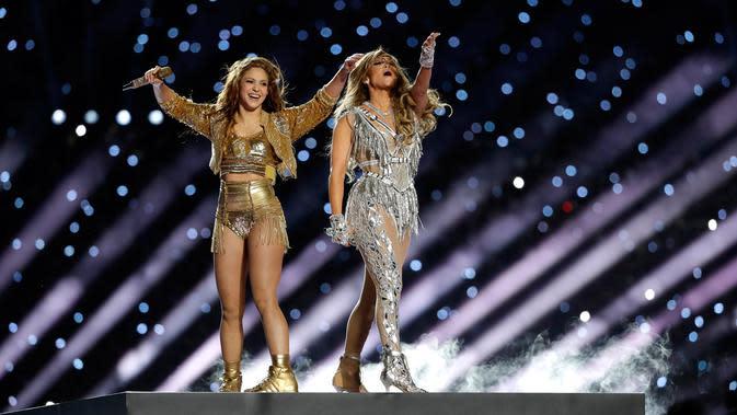 Shakira dan J-Lo di Super Bowl Halftime Show 2020 (AP Photo/Seth Wenig)