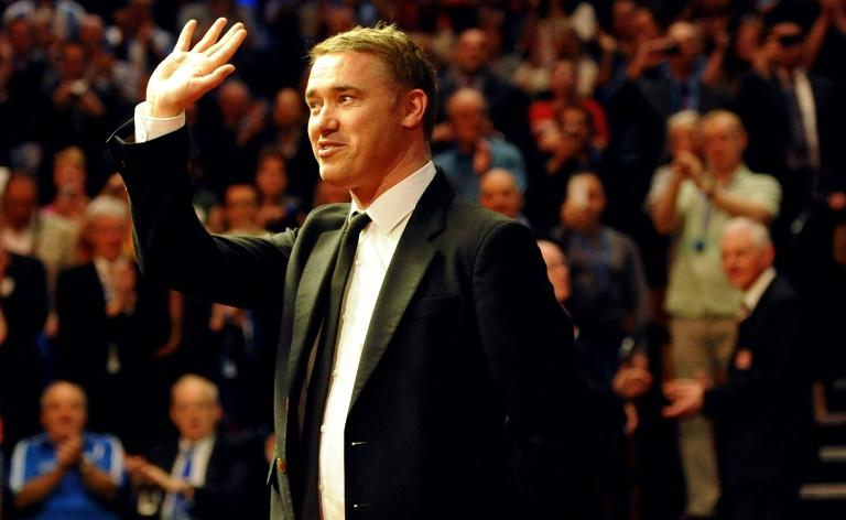 Snooker great Hendry comes out of retirement