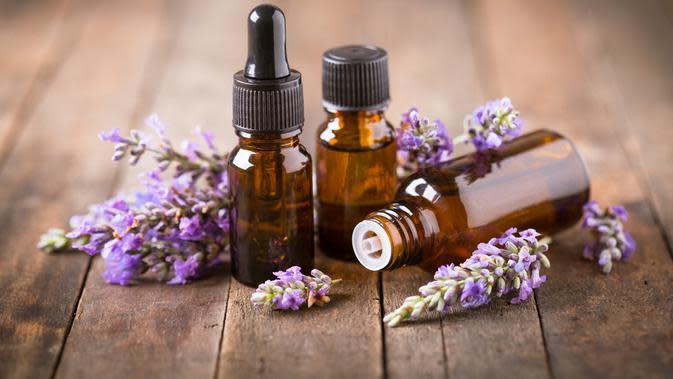 Segarkan Pikiran dengan 5 Minyak Aromaterapi Ini (Pilipphoto/Shutterstock)